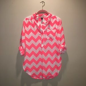 Windsor white and coral chevron blouse